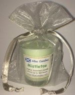 Misteletoe Alba candle in a red gift bag